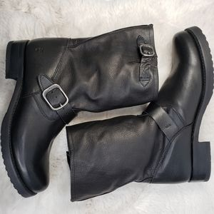 Frye Veronica Short Black Leather Pull-On Boots